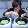 【胃袋注意】大食い美女、木下ゆうか、キャベツ丸ごと2玉を炊飯器2機にぶち込み食らい尽くす