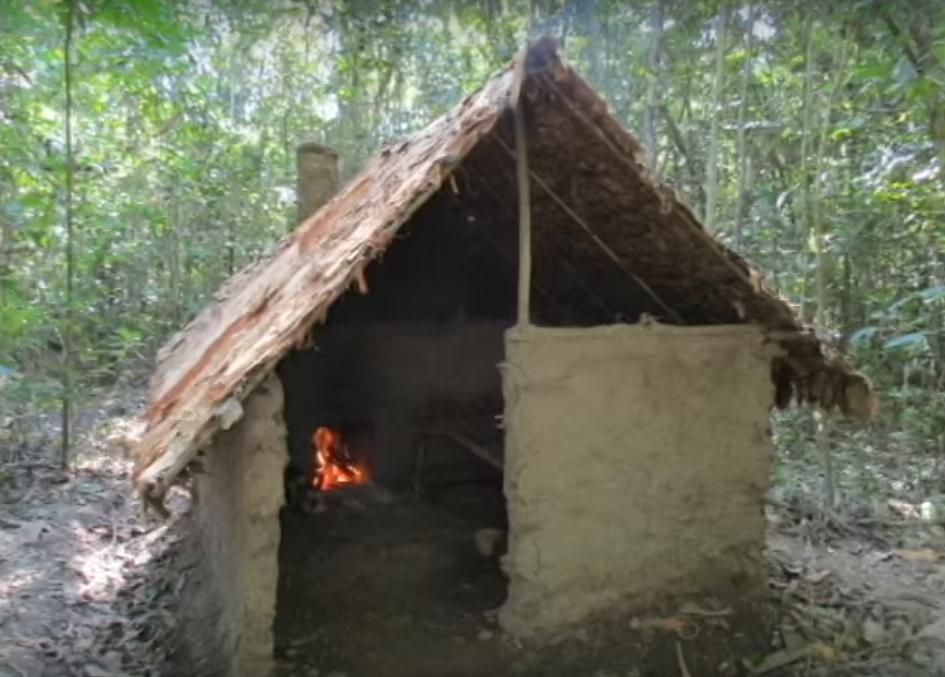 道具ゼロ、材料ゼロの状態からジャングルに家をつくる