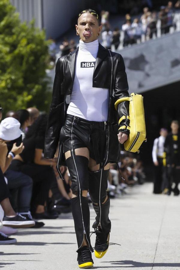 ワイ将「ファッションの最先端は口元がつらいンゴ」・・・フランスよりファッションの最先端をお届け。