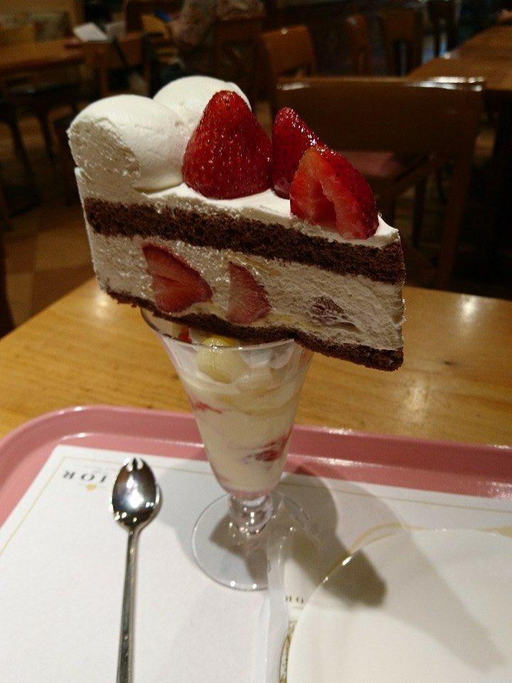 ケーキパフェ
