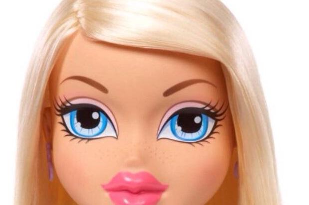 人形の顔消す